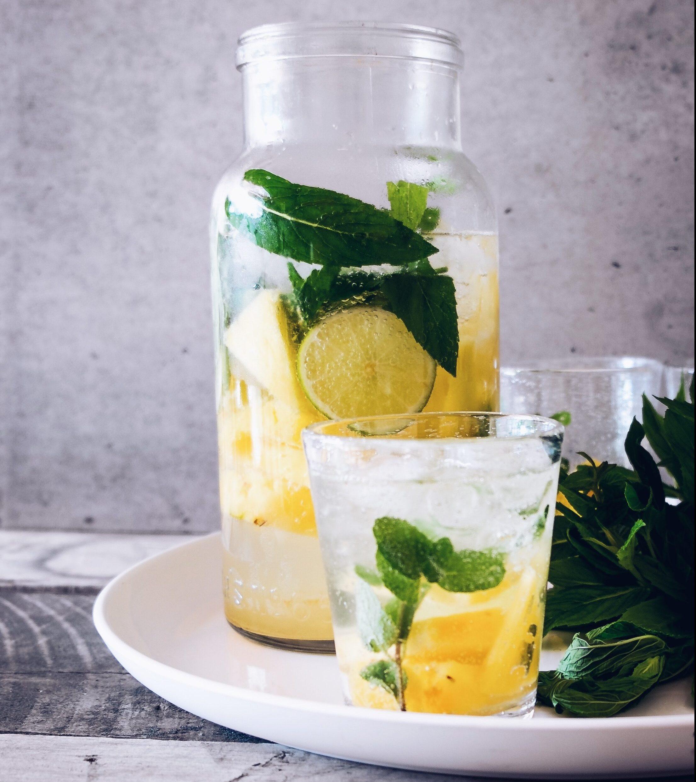 lemon water, detox water, refresh